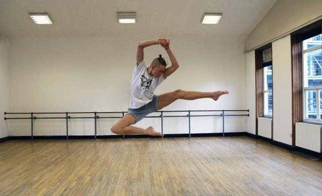 Famous4.15, DANCE!